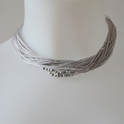 "Necklace ""Nathalie"" with twisted silk threads and little silvery pearls - 3 colours"