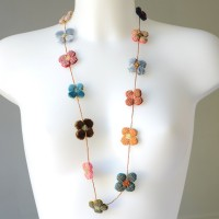 Sophie Digard necklace - 4 petals flowers - vivid colours