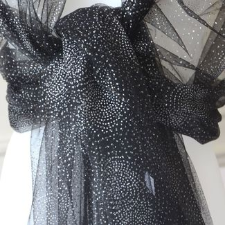 """""""1001 nights"""" wrap. 2 colours : middle grey or black with silver spots"""