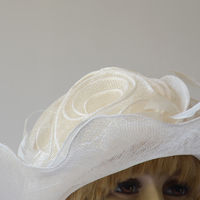 Wide-brimmed wedding hat - off-white sinamay