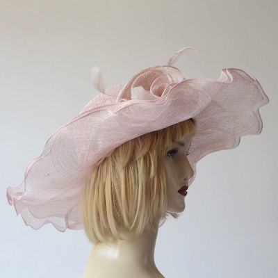 Wide-brimmed wedding hat - ivory sinamay