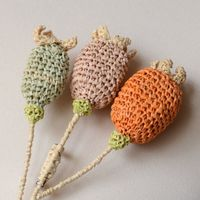 Sophie Digard brooch - 3  hand crocheted poppy cloves