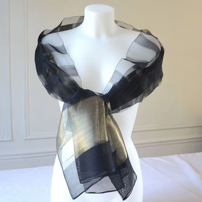 Long and large foulard with a golden stripe in 6 colours : beige, white with gold or lime green/grey silver