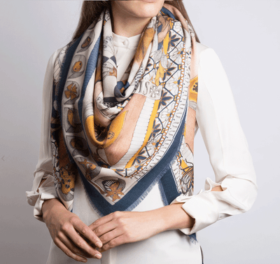 Big scarf Savina Savage - 3 tiger cats with soft pink and navy. Square : 135/135 cm - wool and silk
