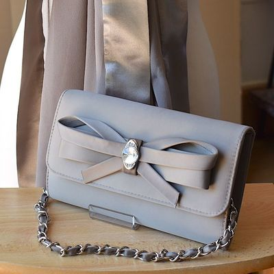 Matching duo for wedding - light brown stole and clutch