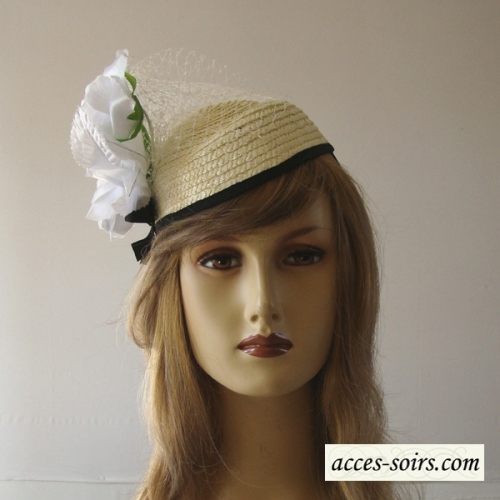 Mini off-white straw hat with white flower and ivory veil