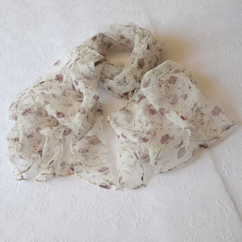 Long foulard en mousseline 100 % soie en joli liberty rose