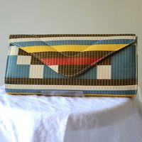 "Pochette oblongue en wax Africain ""Abstract Gitter"""