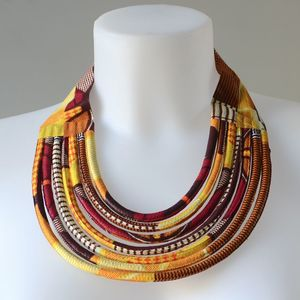 Collier en wax africain - 7 rangs - orange, jaune, noir et blanc