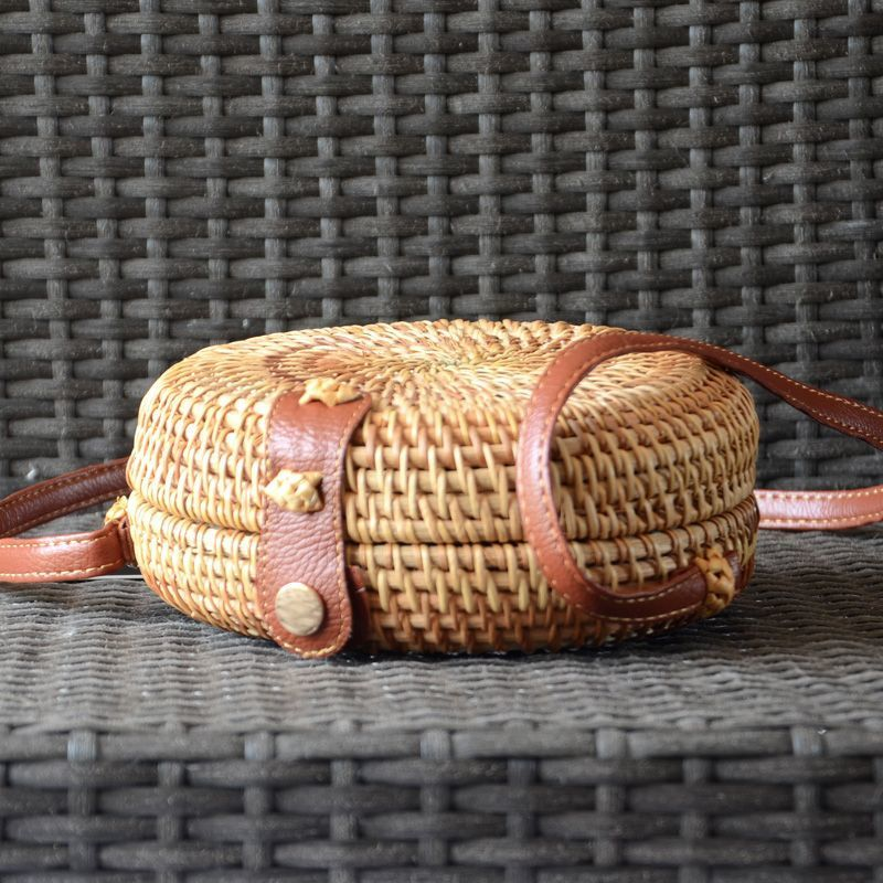 Little rattan bag, handmade, tambourine-shaped