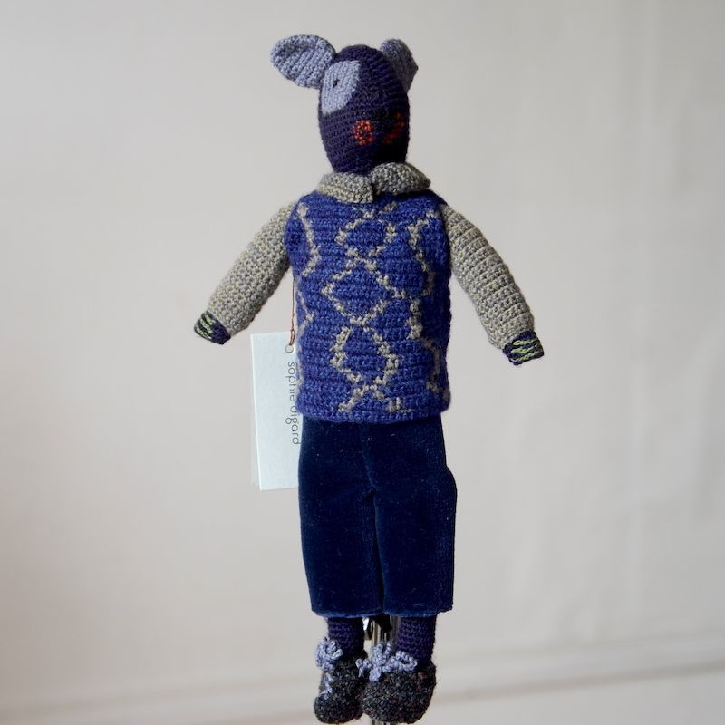 Charming doll/mouse Sophie Digard - alll hand crocheted and velvet - dark blue