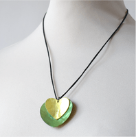 Green necklace mother of pearl - 2 hearts