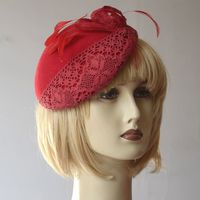 Lovely french béret - red felt with laces and feathers