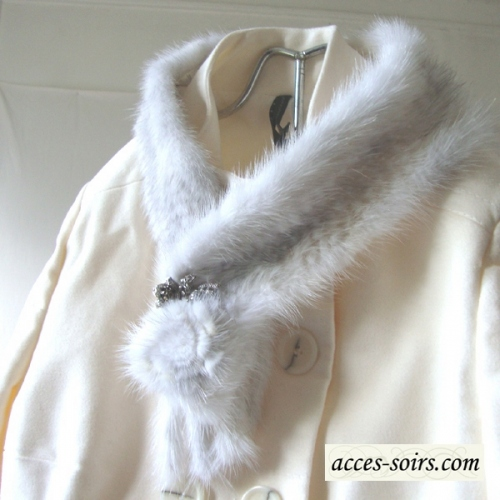 Silver / off-white mink collar