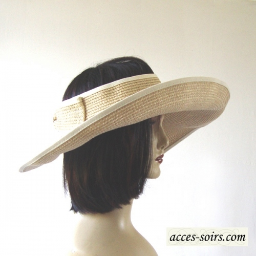 Beach or deckchair beige hat