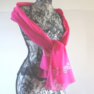 Pretty foulards with sequins