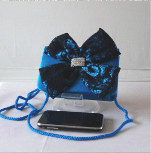 Satin and laces evening bag with bow tie