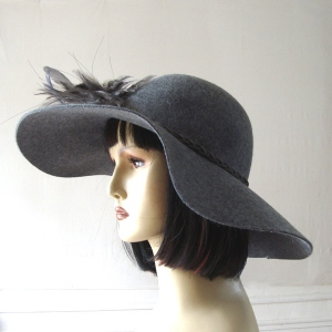 Wide-brimmed wedding hat