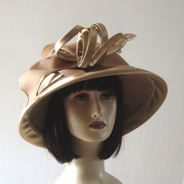 Beige wedding felt hat with satin bow