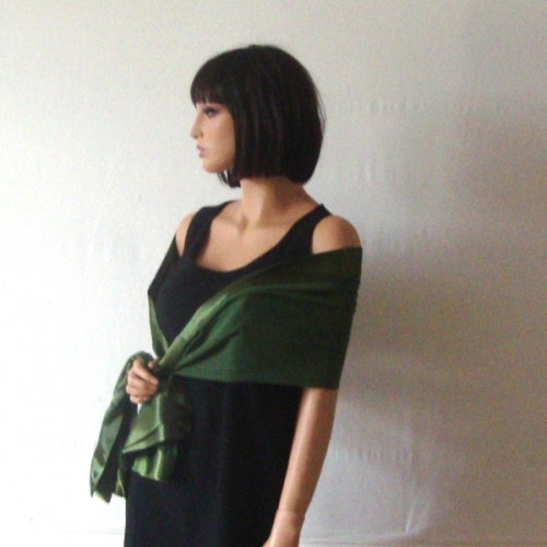 Silk mousseline and satin green wedding stole