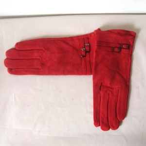 Red skin hand gloves