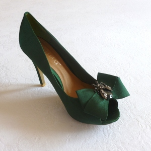 Green satin wedding shoes with metal bee