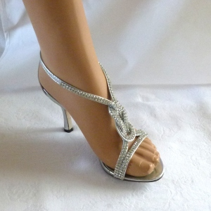 Evening shoes silver and rhinestones