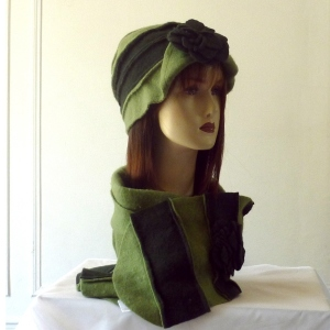 Matching hat and scarf pure wool - 2 colours