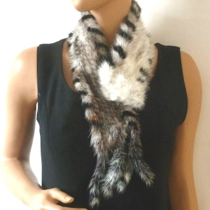 Black/cream/grey mink collar