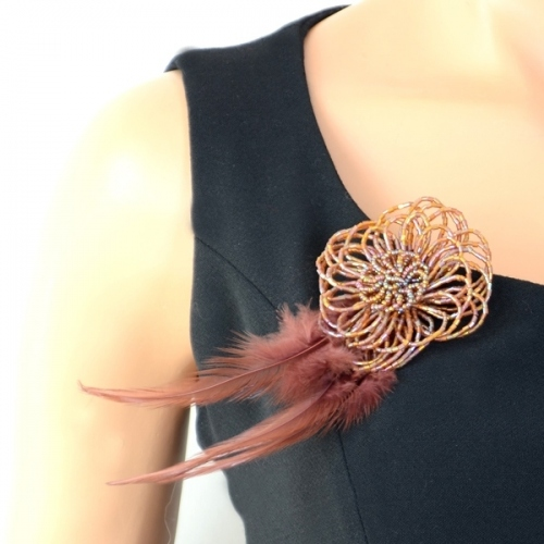"Broche ""Karin"" plumes"