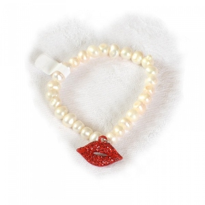 "Bracelet pearls and red rhinestones ""lips"""