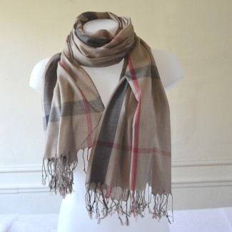 485aff95ca1 Shawl style Burberry