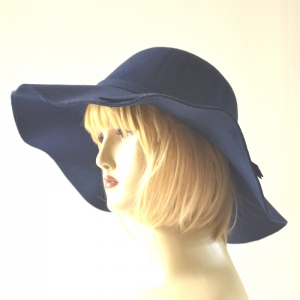Lovely capeline for autumn, winter and spring! 4 colours