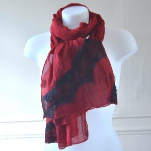 Light dark red shawl with black laces