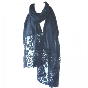 Black shawl with guipures