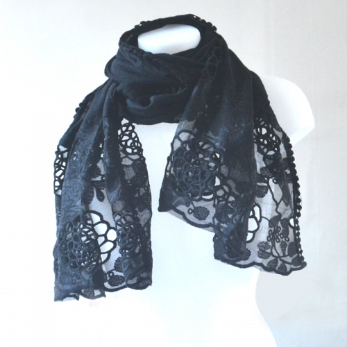 Shawl with guipure  : 2 colours : grey or black