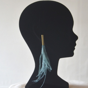 Bleu/grey earrings with ostrich feathers