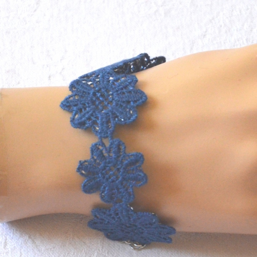 Royal blue bracelet with laces