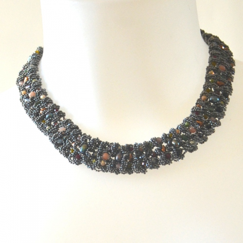 Small size MOON necklace with dark grey and coloured pearls