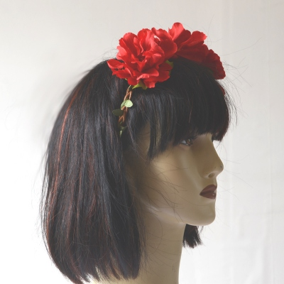 Headband/crown with 3 red flowers