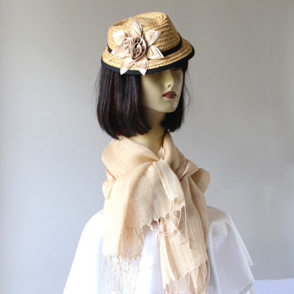 Matching beige straw mini-hat with flower and black border and 100 % linen stole