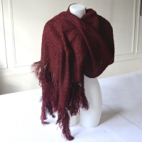 Bordeaux warm shawl with oistrich feathers and pearls