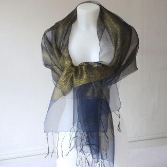 Very chic stole - silk organza with gold sparkles