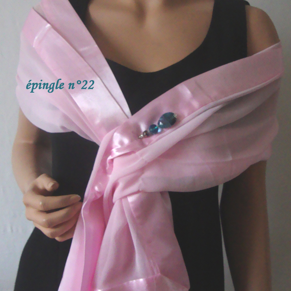 etole rose avec épingle/broche