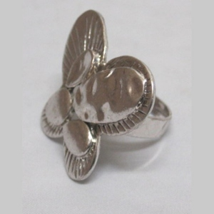 Butterfly ring adjustable