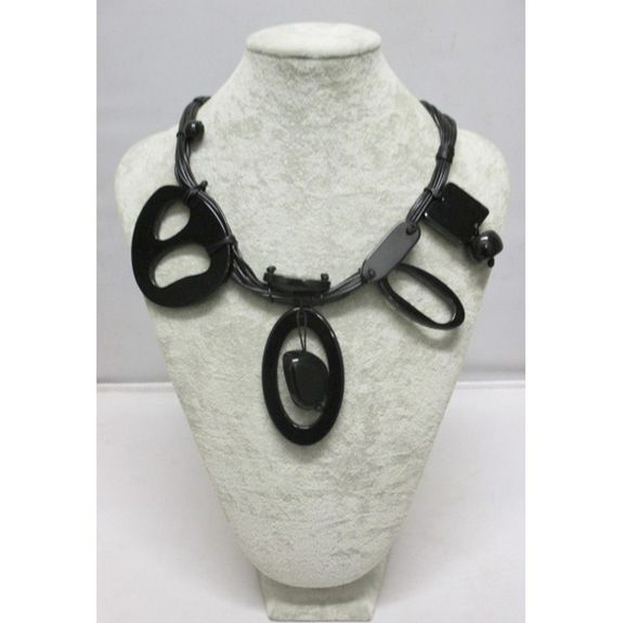 Women's jewelry necklace