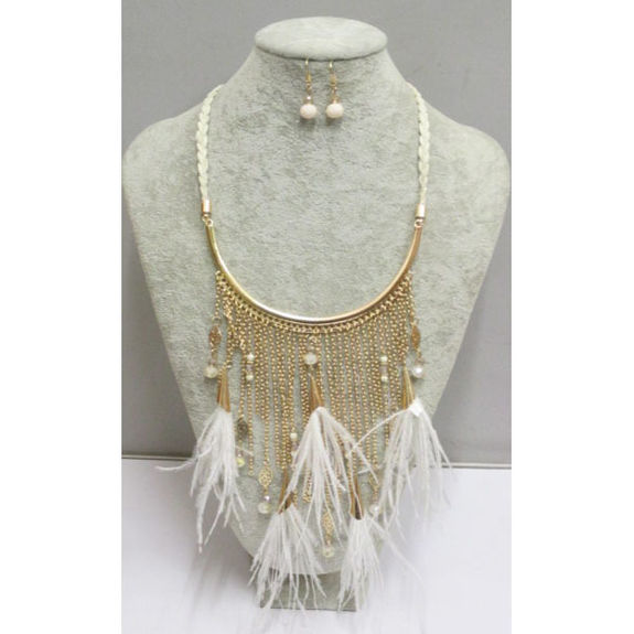 feather charms necklace light to wear