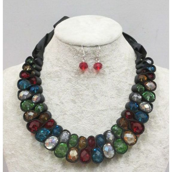 Ethnic jewelery chic