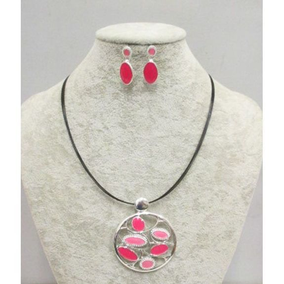 necklace with jewelry in email