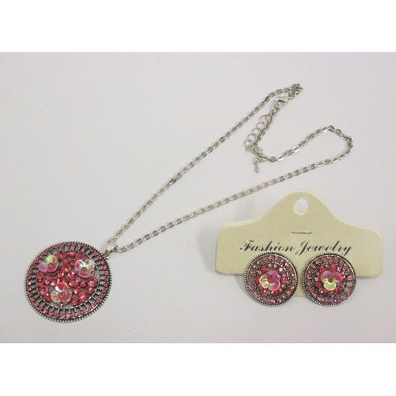 jewelry chain round pendant necklace